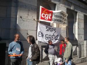 Benoît Cypriani est venu soutenir les travailleurs sociaux